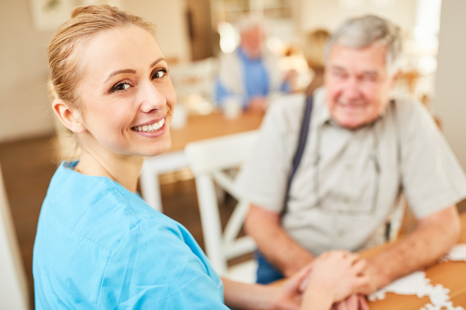 Senior Carer Chicago – Providing Specialized Home Care Assistance for the Elderly